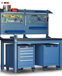 Heavy Duty Workbench, functional and flexible design