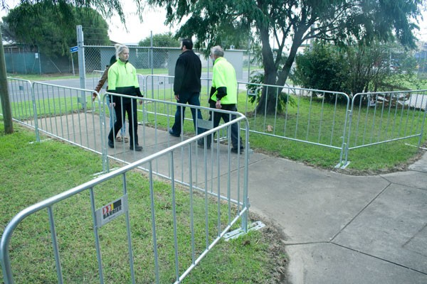 Portable Security Fencing : Standard duty event fence spacepac industries