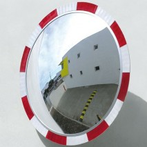 Highly visible polycarbonate convex mirror suitable for indoor and outdoor use