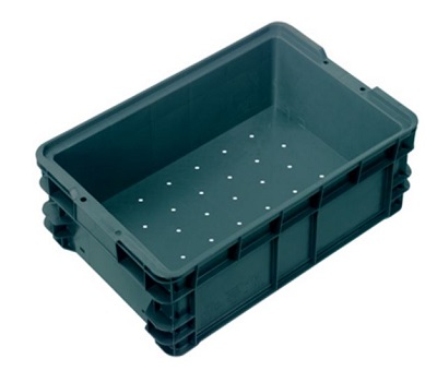 IH024 Crates with solid sides and vented base