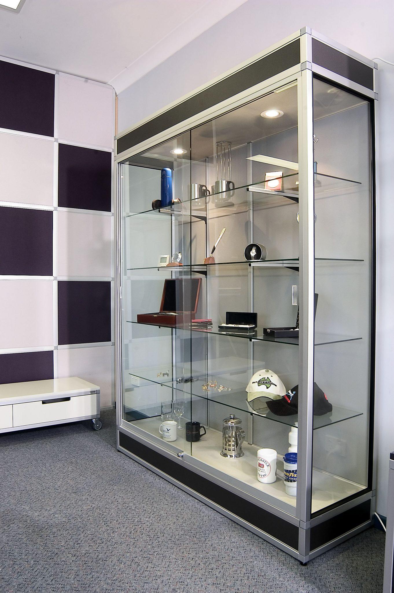 Retail-Display-cabinet2