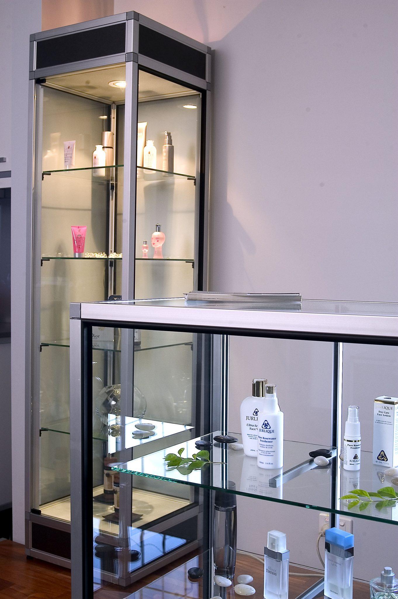 Retail-Display-cabinet3